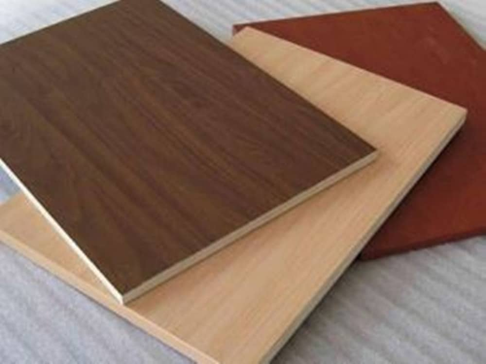 Overlaid plywoods are usually glued with veneers and it gives somewhat finished appearance.