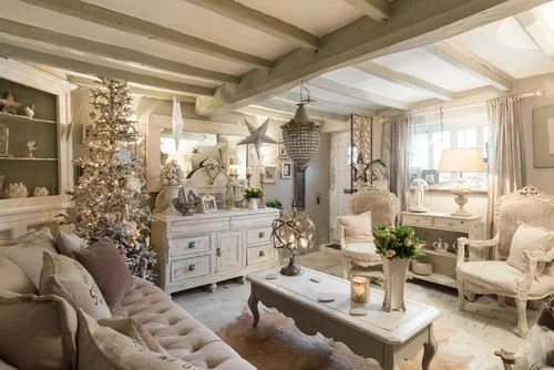 Beige Shabby-Chic living room.