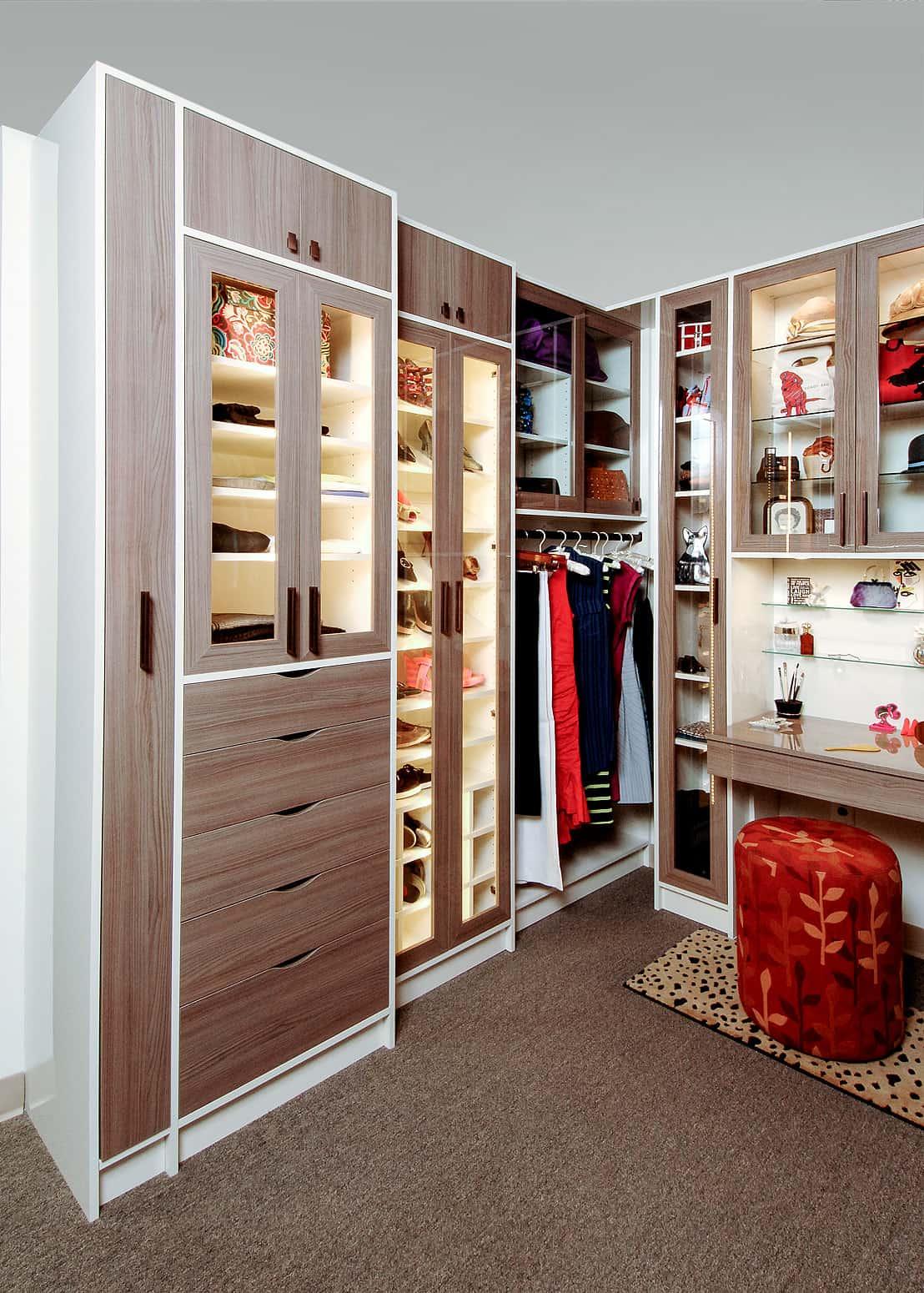 70 Awesome Walk In Closet Ideas Photos