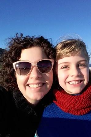 Ligia Estriga se diverte com sua filha Teresa.