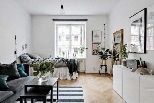 Exemplo de um ambiente multifuncional: quarto + sala