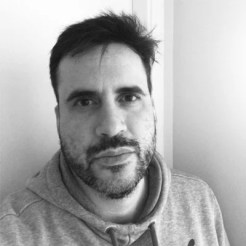 O designer Paulo Gustavo Borba Cordaro