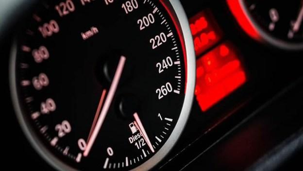 speed-speedometre-cars