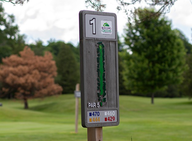 New hole sign at Rolling Greens