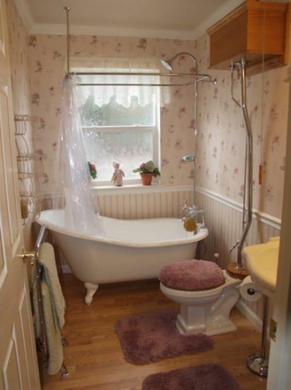 small bathroom with clawfoot tub design : Rhydo.us on gardens with claw tubs, bathroom renovations with claw tubs, bathroom designs corner bath tubs, small bathrooms with claw tubs, bathroom alcove tub,