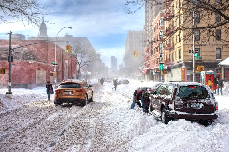 bad-weather-snow-winter-new-york-new-york-snow-infinity-infiniti-ny-storm-street