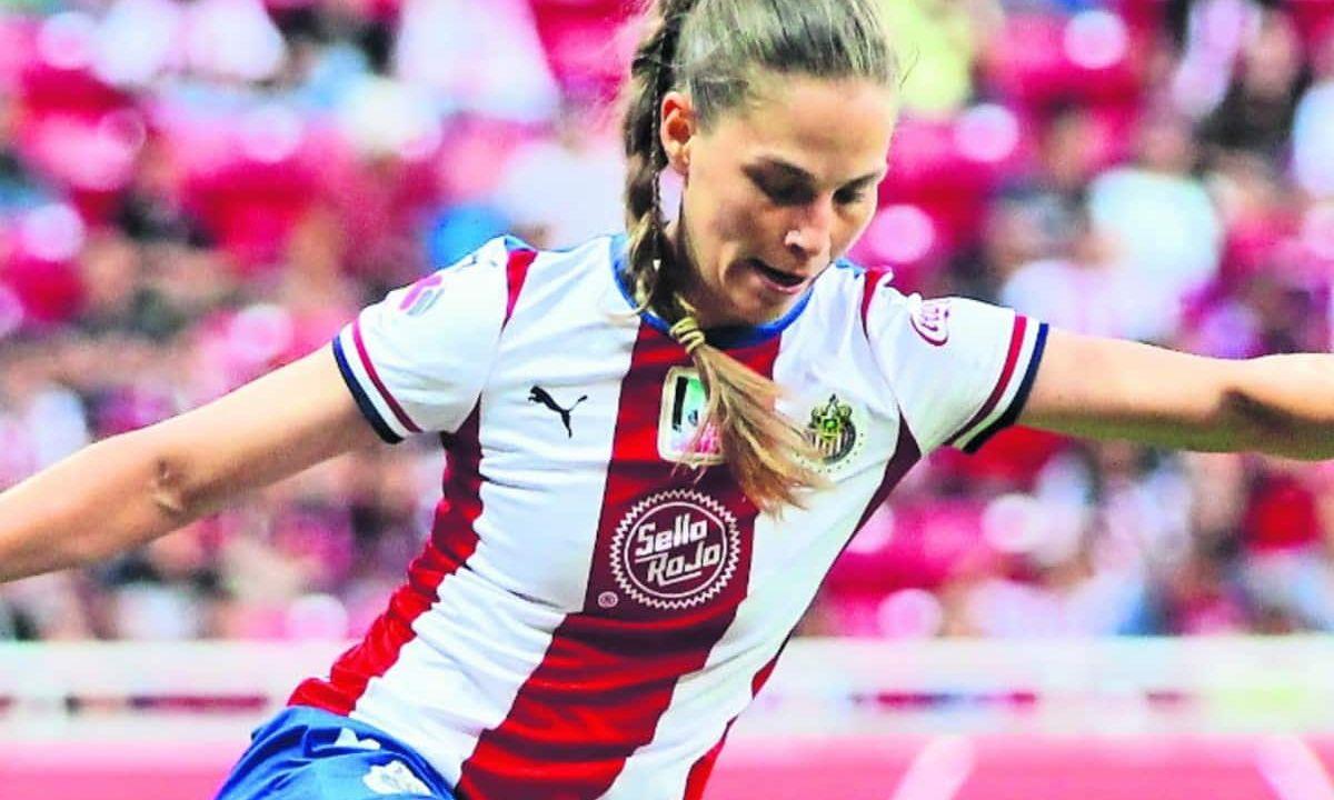 futbolista lesbiana Janelly Farías