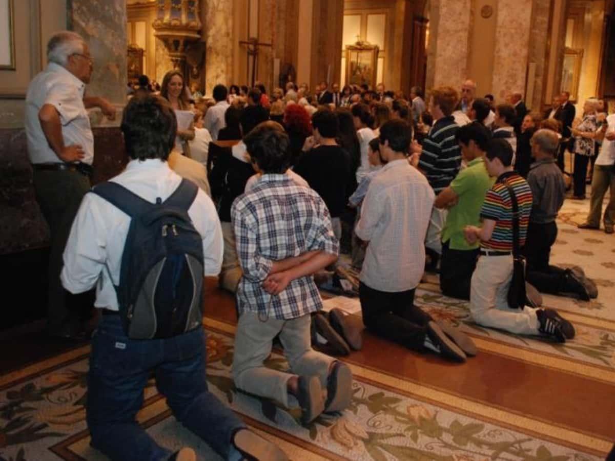 altar gay iglesia