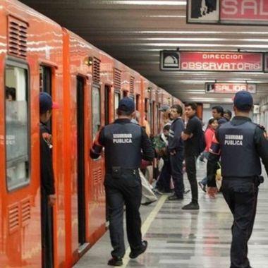 pelea metro defender gay CDMX