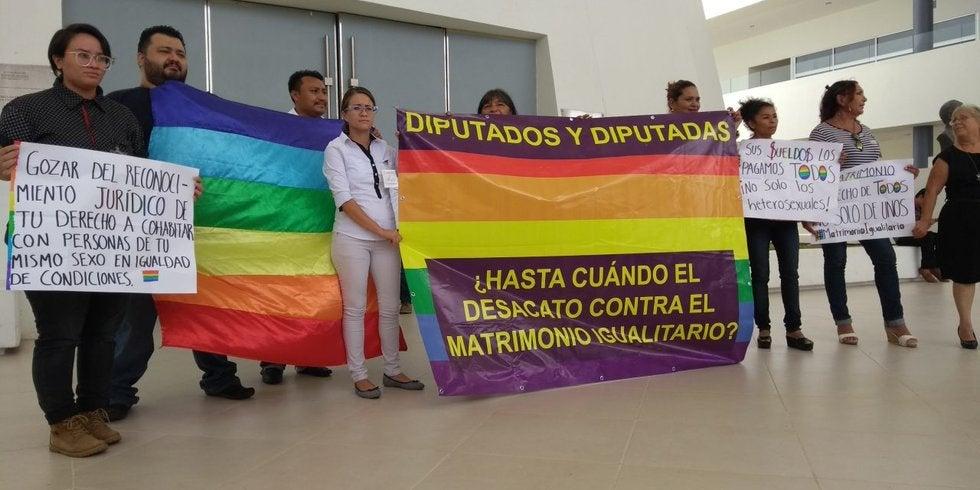 yucatán-mejor-destino-bodas-heterosexuales-protesta