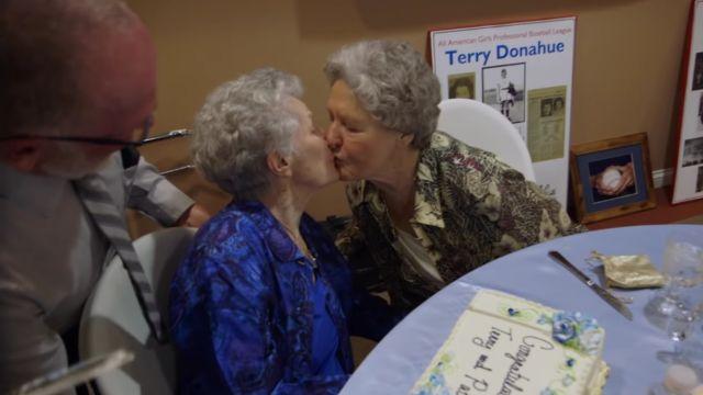 netflix-amor-secreto-terry-pat-viejitas-lesbianas