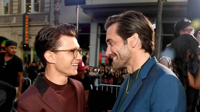 tom-holland-reta-Jake-Gyllenhaal-reto-sin-playera-0101