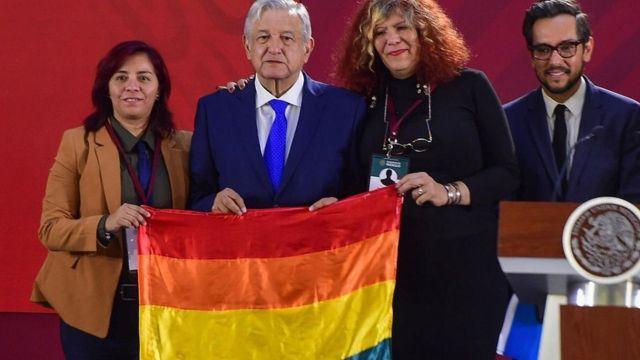 AMLO iniciativa discriminación LGBTQ+
