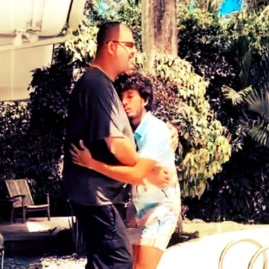 Sebastián Yatra baila con su guardaespaldas en video de Instagram