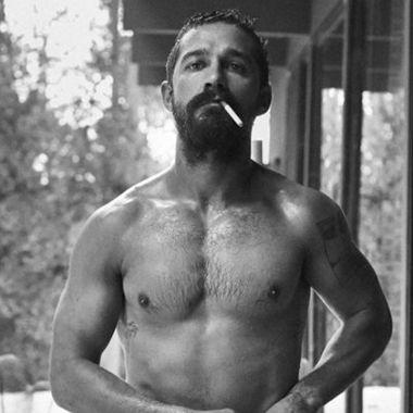 Shia LaBeouf desnudo