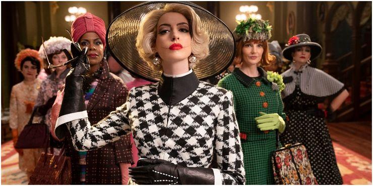 Anne Hathaway con varias de las villanas del remake de Las Brujas