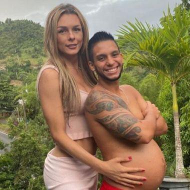 pareja de hombre trans y mujer trans