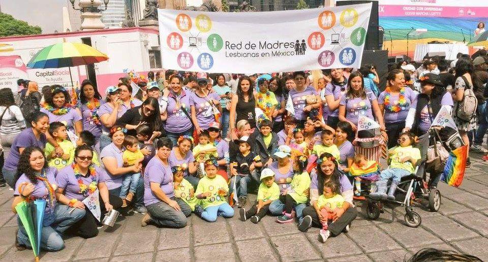 Red de madres lesbianas en México colectiva de mujeres