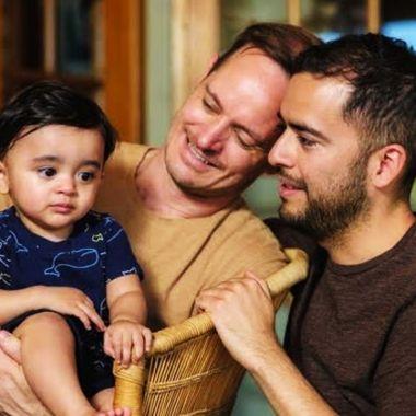Guillermo Delgado papá gay mexicano