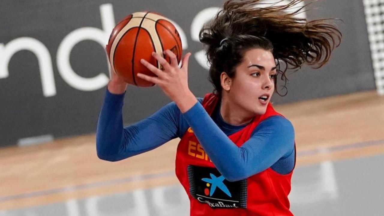 Paula Ginzo Arantes lesbiana feminista basquetbolista-España
