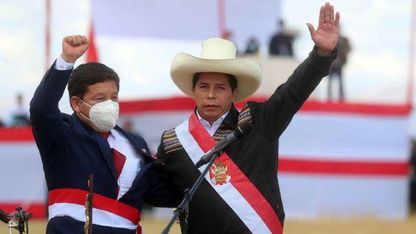 Pedro Castillo presidente de Perú se opone a la homosexualidad