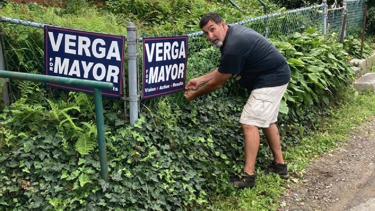 Verga for mayor eslogan de Greg candidato a alcalde en Gloucester, Massachusetts