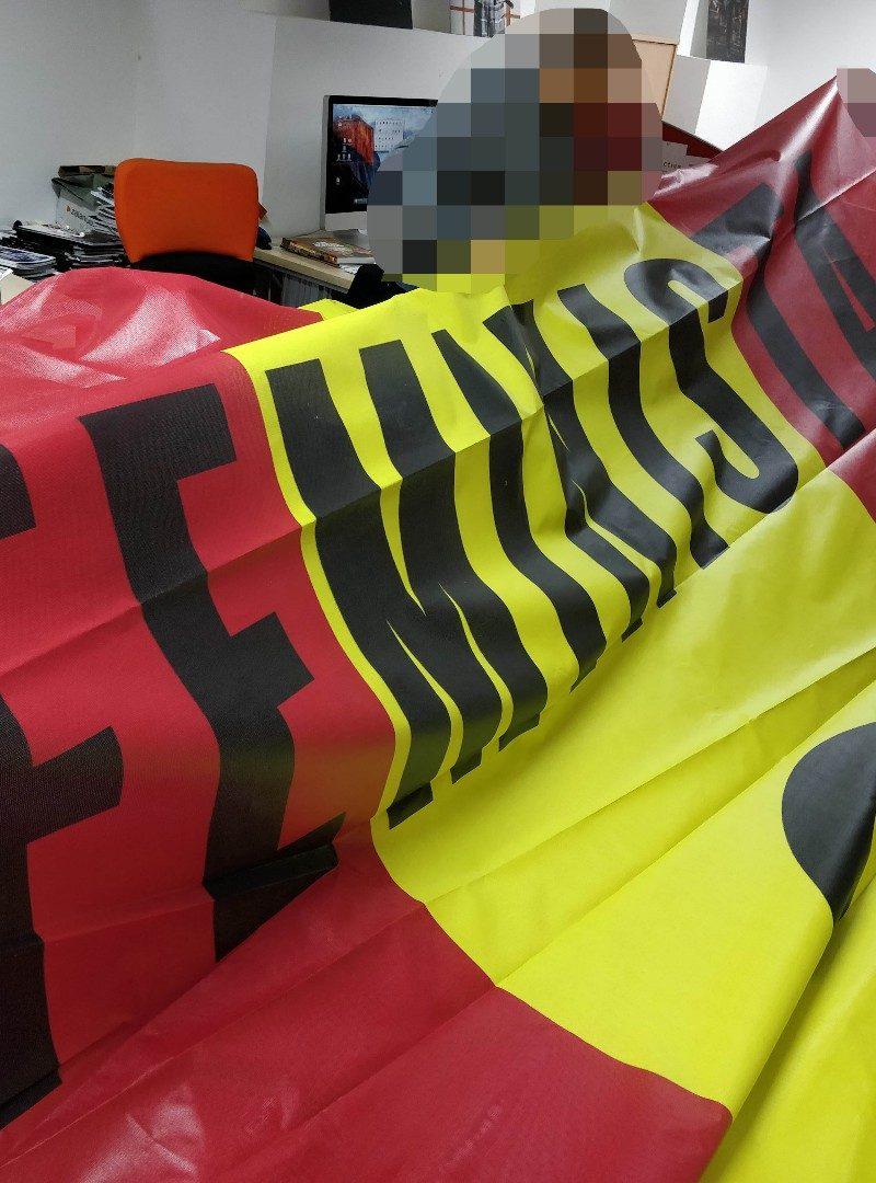 ¿Por qué desplegamos una gran bandera de España en apoyo a la huelga feminista?
