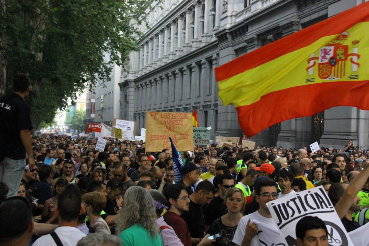Fui a una manifestación del 15M con una bandera de España