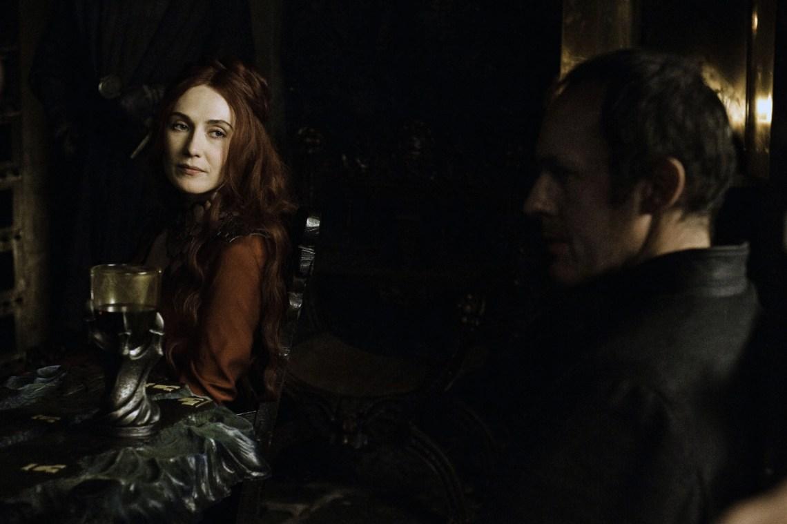Stannis Baratheon es un ejemplo ilustrativo de voluntad viril persuadida mediante artificios, e inmediatamente reducida a añicos.