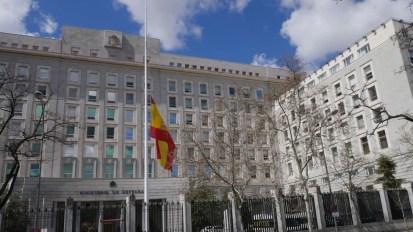 bandera-muerte-Cristo-Ministerio-Defensa_EDIIMA20180329_0297_21[1]