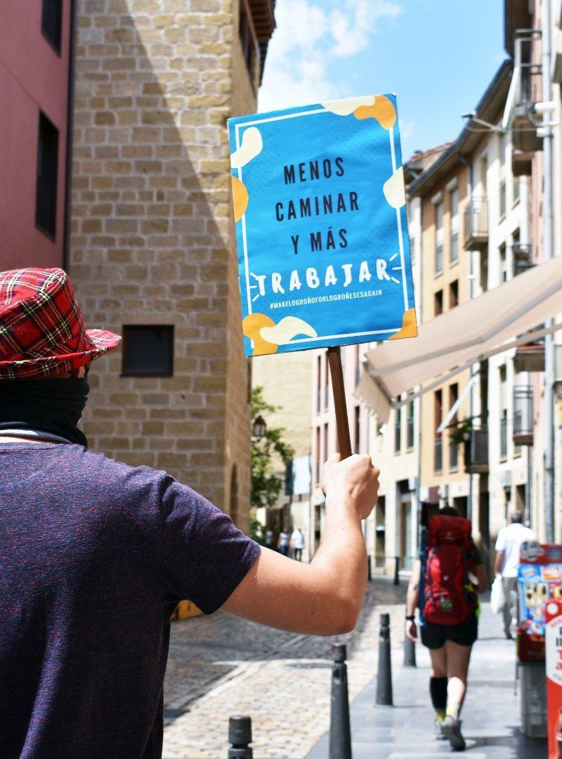 'Menos caminar y más trabajar': Protestan contra el Camino de Santiago en Logroño