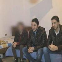 لبنانية تحبس أولادها الثلاثة 17 عاماً في المنزل خوفاً عليهم من المجتمع