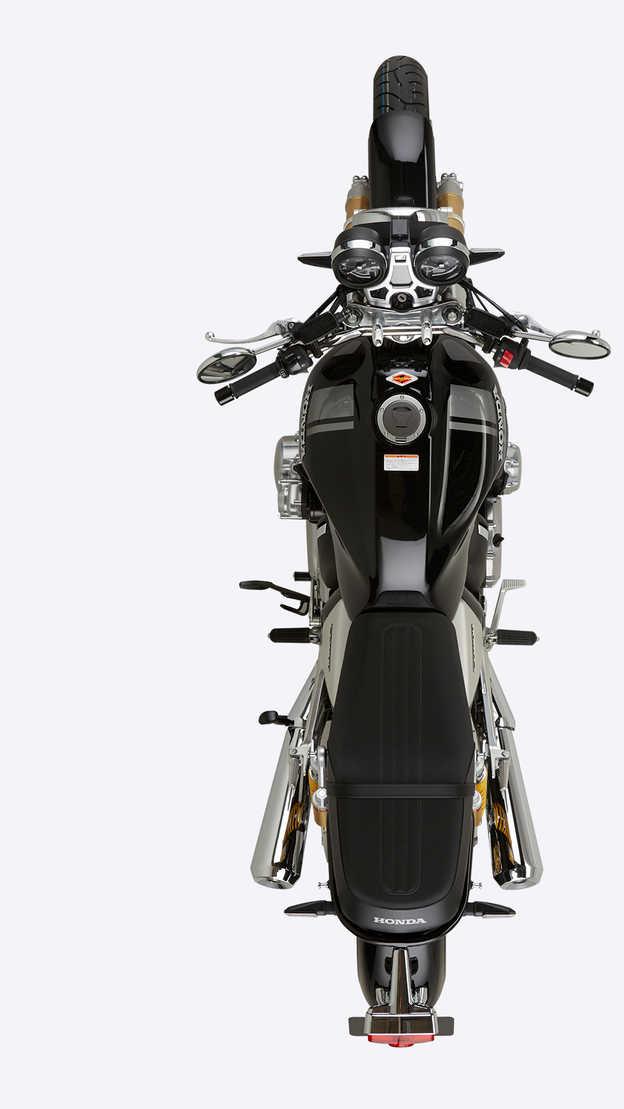 Horný pohľad na motocykel Honda CB1100 RS.