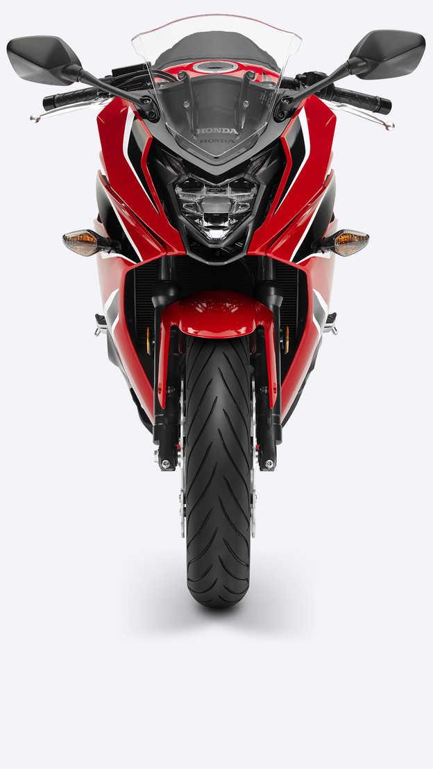 Predný záber na motocykel Honda CBR650F.