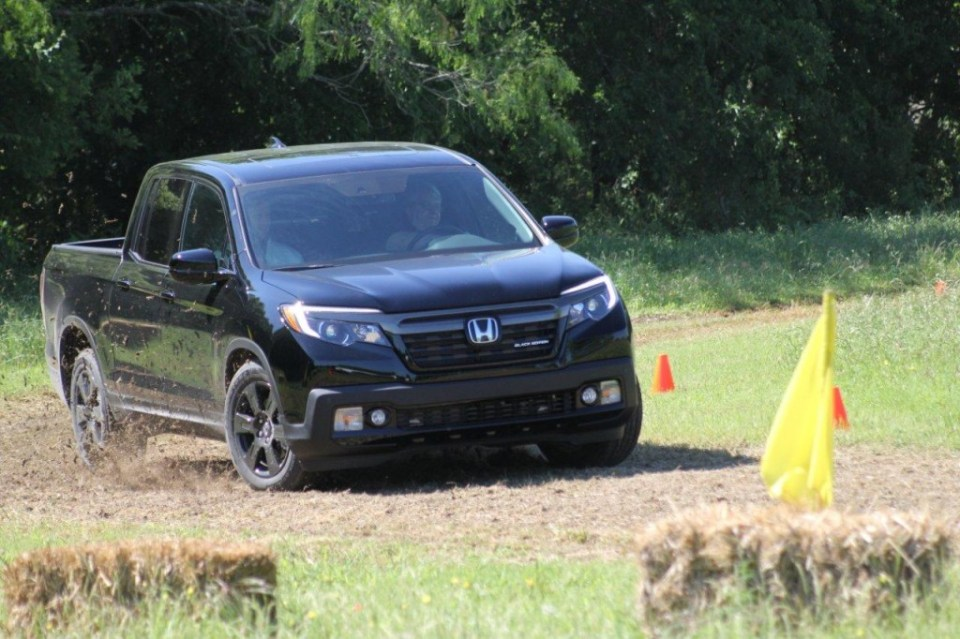 2017-Honda-Ridgeline-in-Texas-049-1024x682