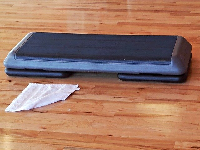 Step setup for step aerobics