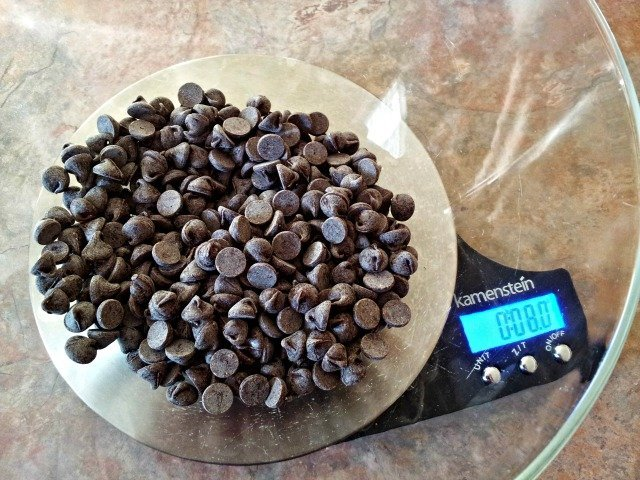 8 ounches chocolate in heat proof bowl
