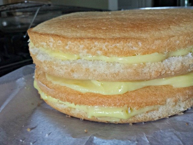 Perfectly filled 4 layer cake