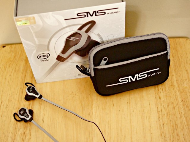 What do you get with the SMS Biosport earbuds