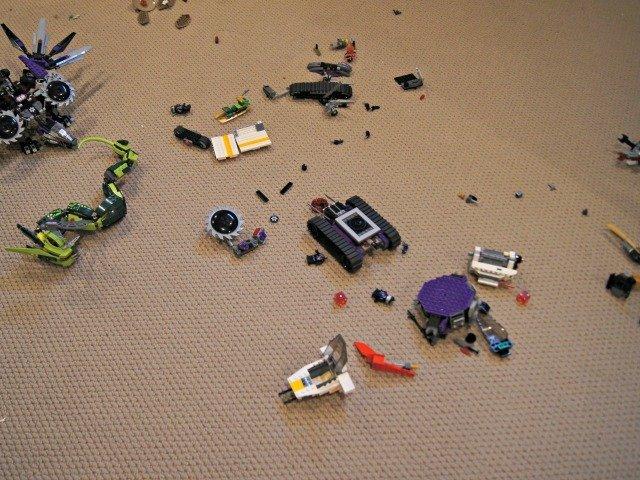 MEss of LEGOs