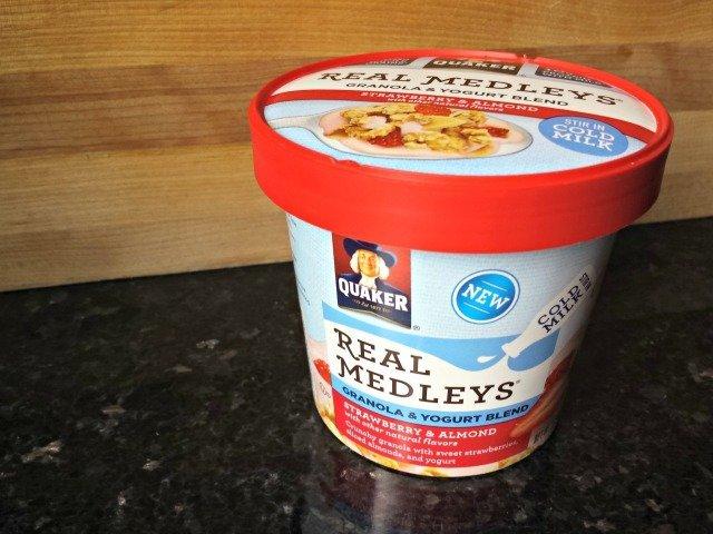 Quaker Real Medleys granola and yogurt blend