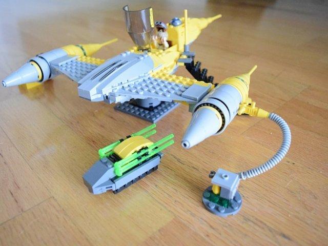LEGO Star Wars Droid Tales Naboo Starfighter