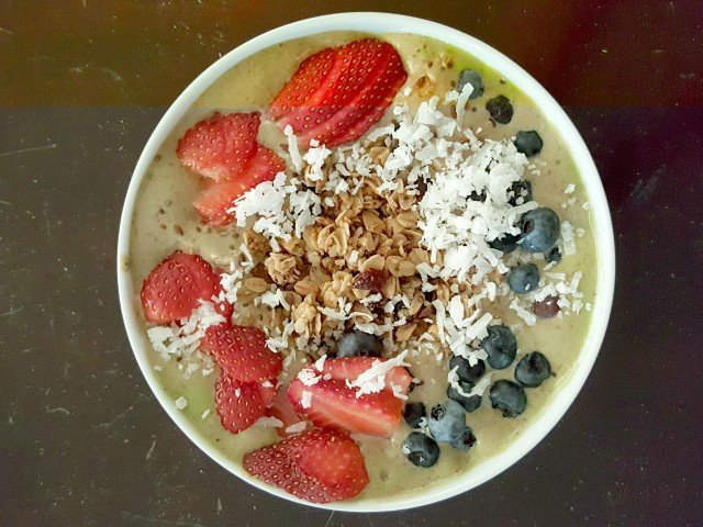 Make your smoothie bowl with whatever fruits you love