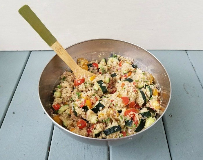Easy weeknight salad with quinoa and veggies