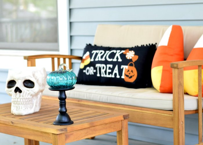 Halloween night candy decor for trick or treaters