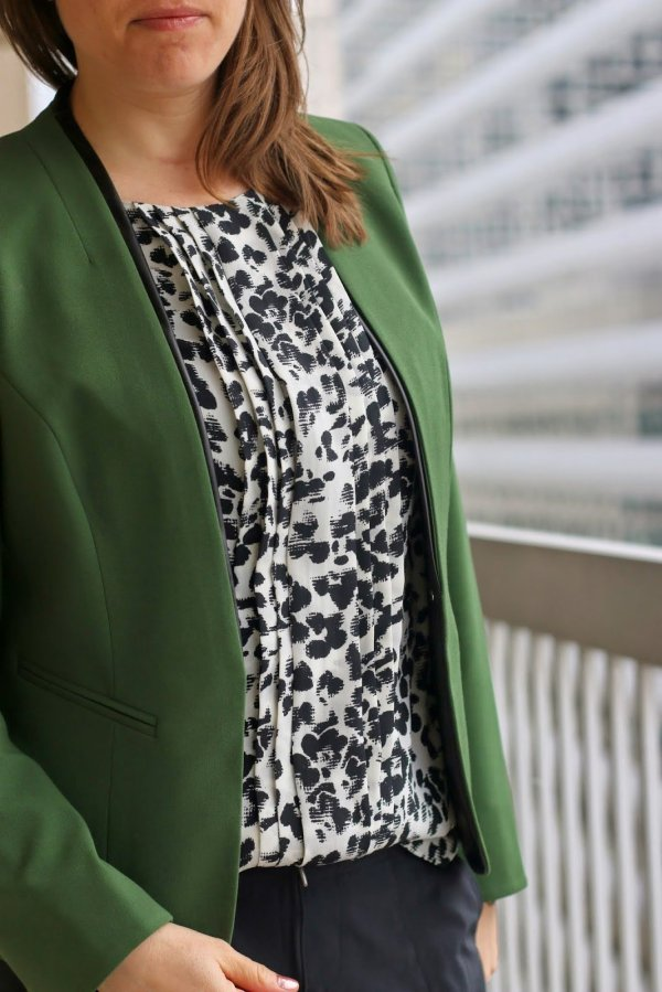 FashionablyEmployed.com | black joggers at work, green blazer and black and white blouse | wear to work, office