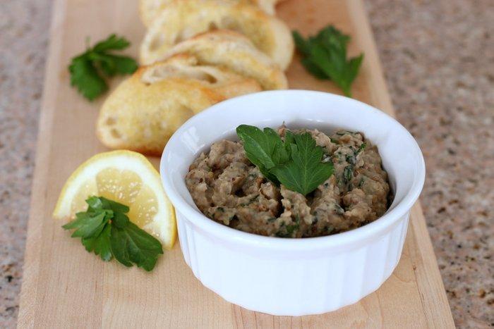 FashionablyEmployed.com | Italian-Inspired Eggplant: Lemon Garlic Eggplant Bruschetta | real, whole food, great fresh farmer's market recipe