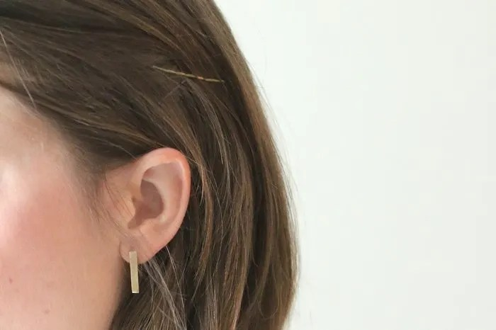 FashionablyEmployed.com | 3 simple hair styles for the office to add a bit of variety with little effort