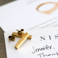 FashionablyEmployed.com | Nisolo Jewelry, a brand profile of this high quality ethically produced accessory company perfect for a socially responsible workwear wardrobe | Simple and sustainable style for modern professional women