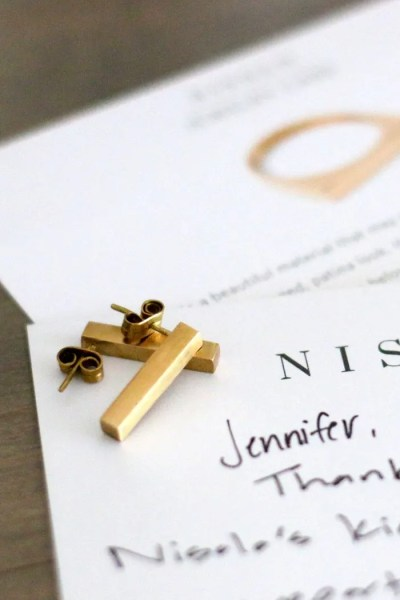 FashionablyEmployed.com   Nisolo Jewelry, a brand profile of this high quality ethically produced accessory company perfect for a socially responsible workwear wardrobe   Simple and sustainable style for modern professional women